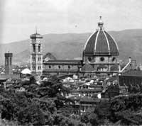 Panorama geral da obra com a catedral